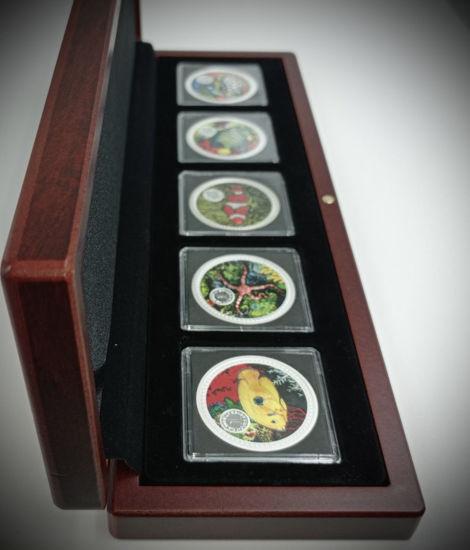 Picture of Морской набор из пяти серебряных монет 155.5 грамм 1999 г. Острова Кука