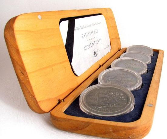 """Picture of Набір """"Кораблі створені в Австралії"""" з п'яти срібних монет 1999 р Острови Кука"""